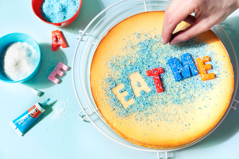 Anleitung Schriftzug auf Kuchen zum selber machen und dekorieren