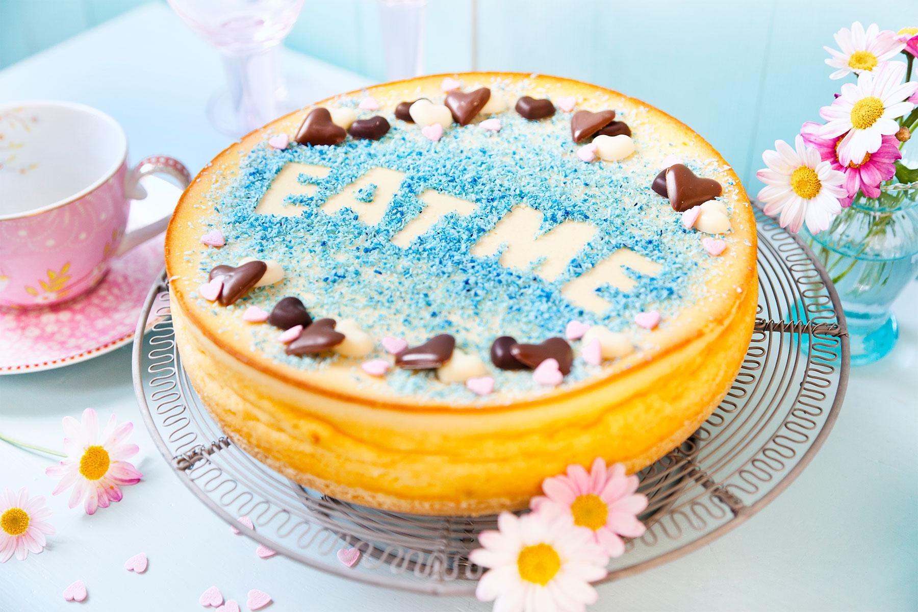 Anleitung und Rezept mit Ideen zum Kuchen durch Schablonen dekorieren