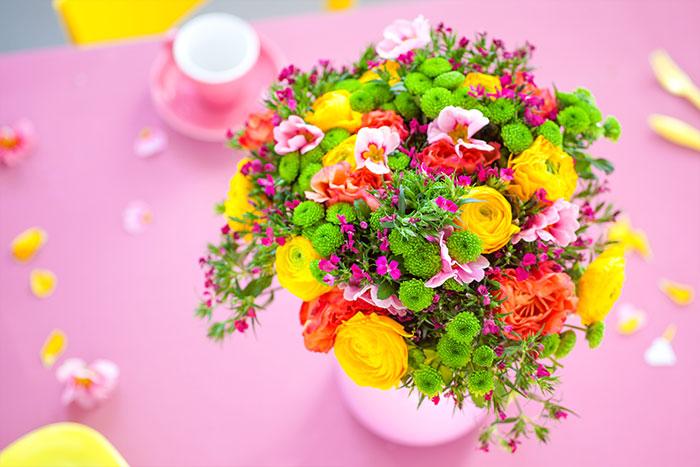 Blumenstrauß passend zur Torte zum Muttertag
