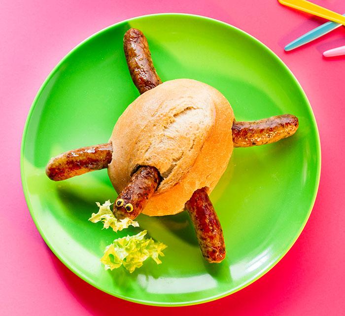 Brötchen dekoriert als Schildkröte als Fun Food zu Karneval