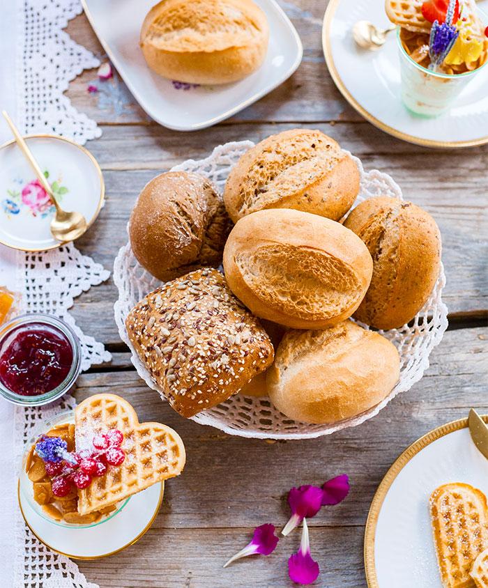 Brötchen zum Frühstück plus Kuchen zum Muttertag