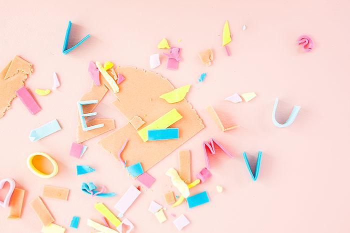 Buchstaben als Deko für Torte zum Muttertag
