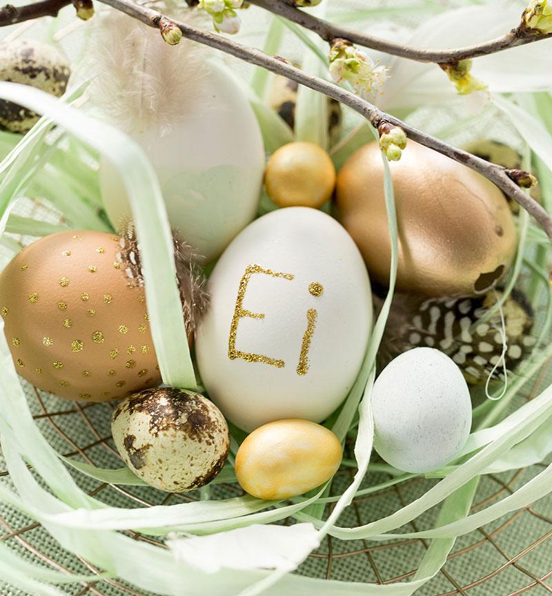 Deko mit Eiern passend zur Torte zu Ostern