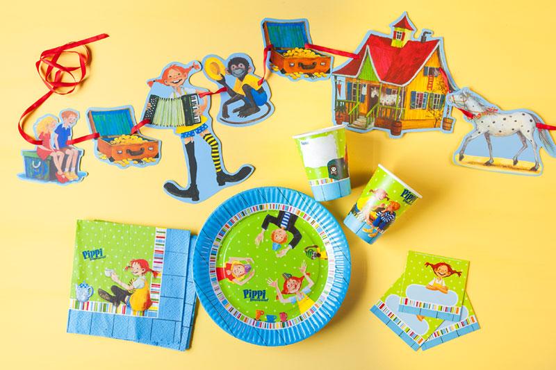 Deko und Essgeschirr passend zum Kindergeburtstagskuchen mit Pippi Langstrumpf-Motto