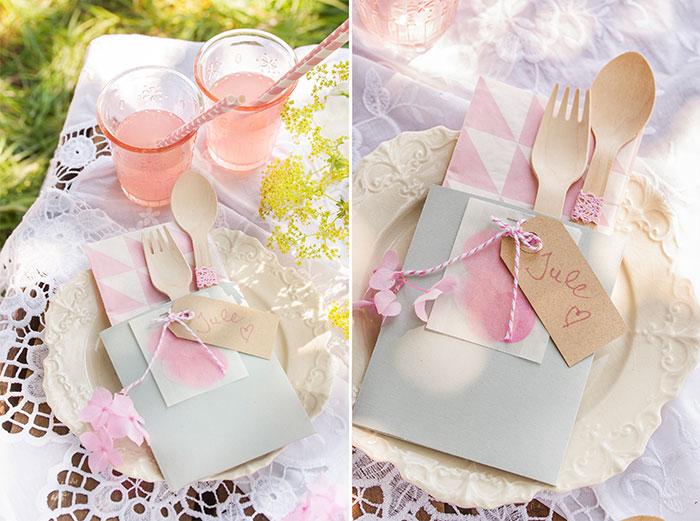 Dekoration für Picknick mit Kuchen und Torte