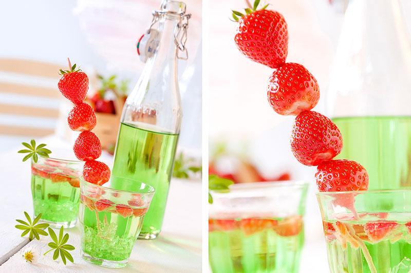 Dekoration mit Erdbeeren passend zu Erdbeerkuchen