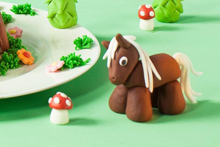 Detail Pferd als Deko für Kindergeburtstagstorte