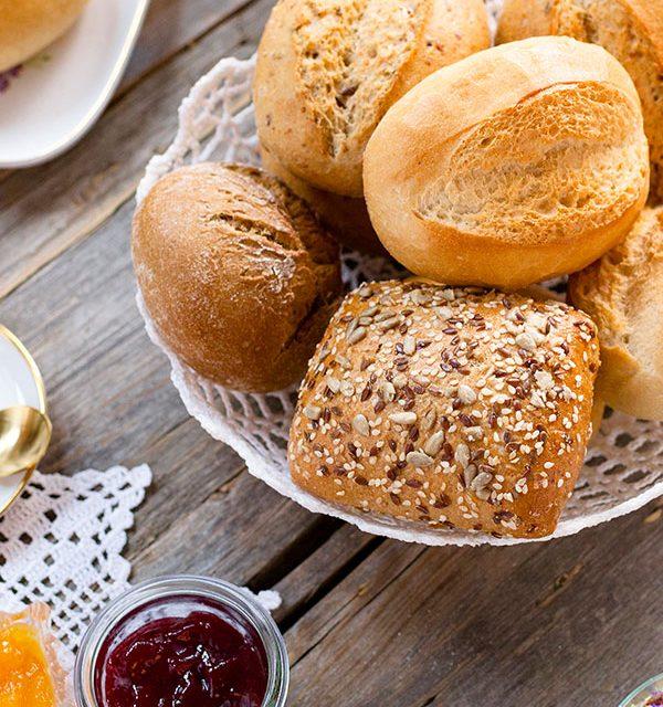 Frisch aufgebackene Brötchen statt Kuchen zum Muttertag