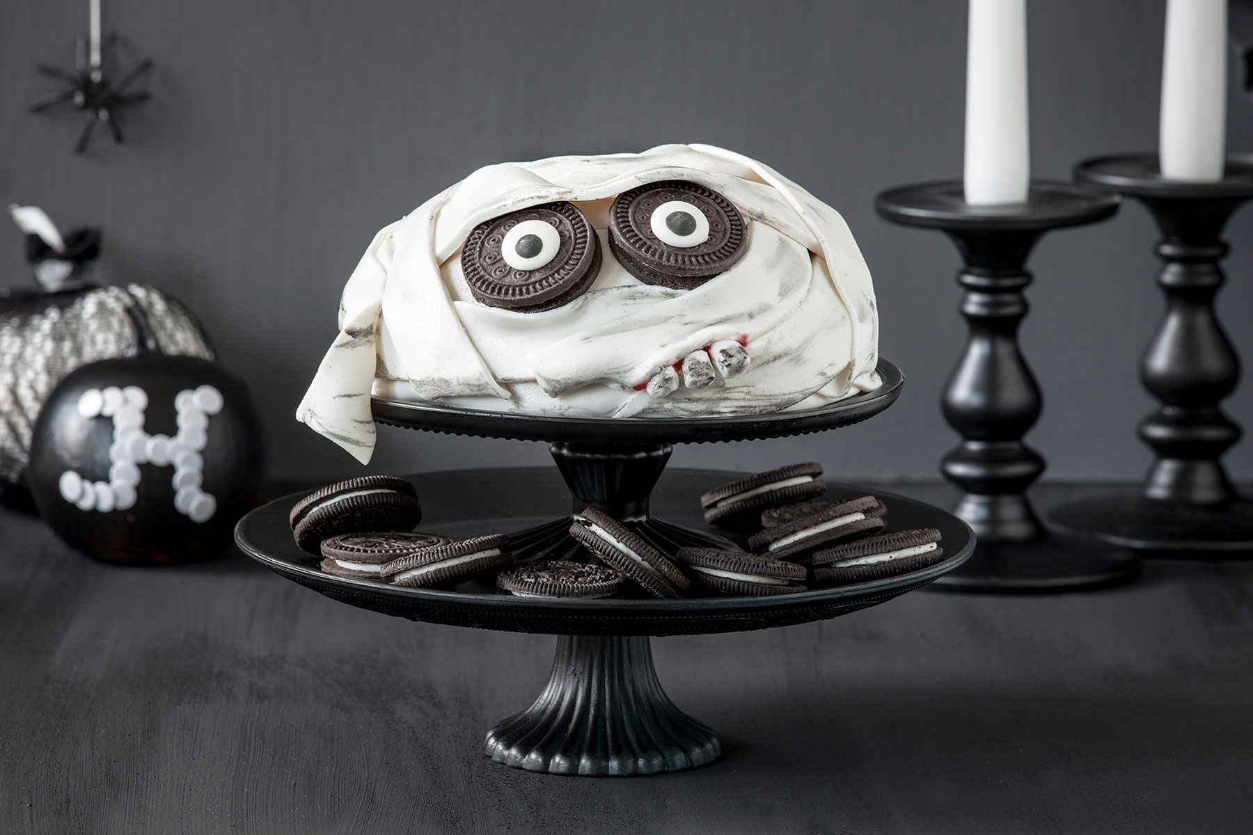 halloween torte machen einfaches rezept f r gruseltorten deko. Black Bedroom Furniture Sets. Home Design Ideas
