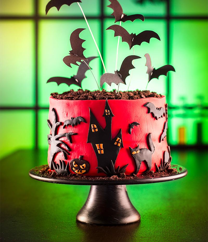 Halloween Torte Rezept und Deko mit Fondant