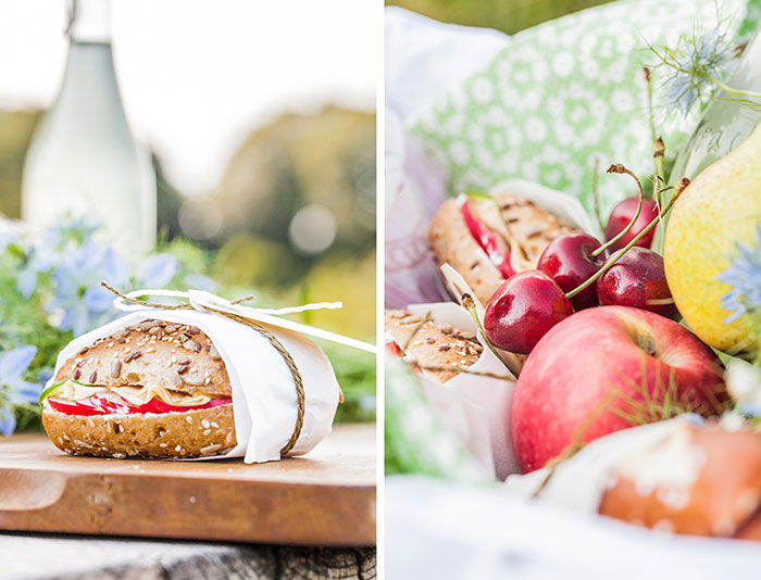 Herzhafter Snack mit Brötchen und Obst zu Mitnehmen