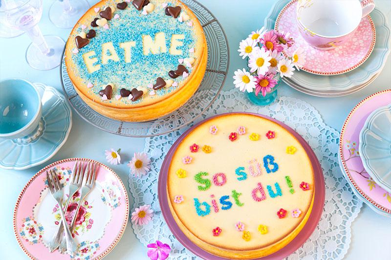 Kuchen mit Schriftzug durch Schablone dekoriert zum selber machen