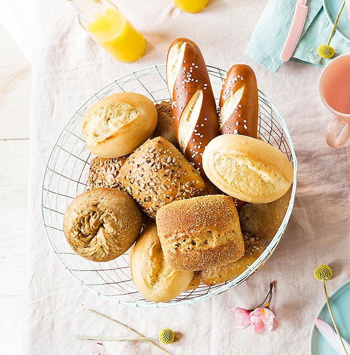 Leckere Brötchen passend zu Kuchen und Torte für Ostern
