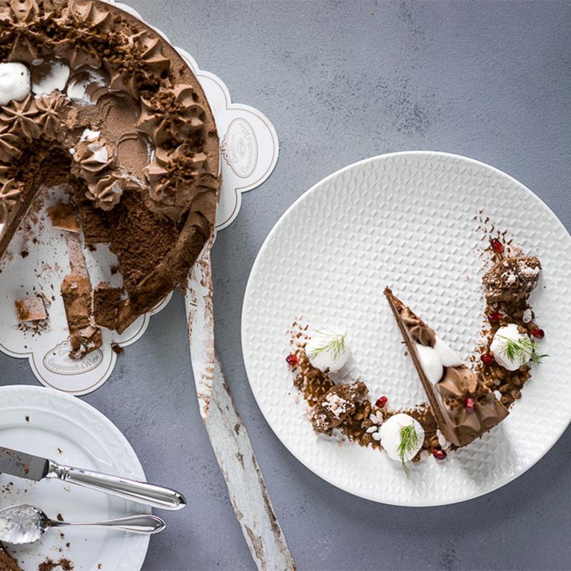 Schokoladen Weihnachtstorte mit Dekoration zum Selbermachen