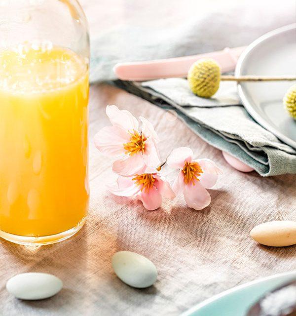 Tischdeko passend zu Osterbrunch und Kuchen zu Ostern