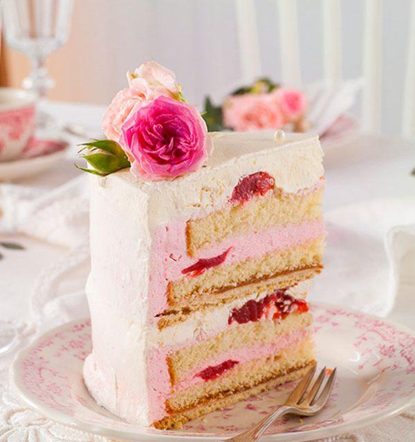 Tortenstück Hochzeitstorte selbst dekoriert mit Rosen