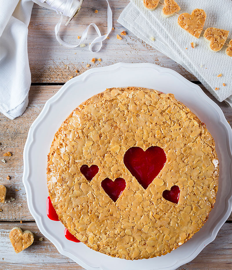 Bienenstich Torte Mit Herzen Selber Machen Torte Zum Valentinstag