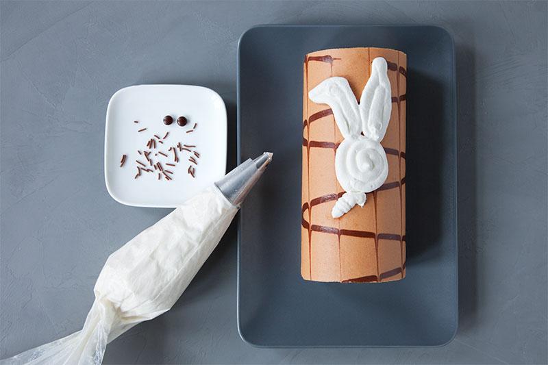 Zubereitung Kuchen für Ostern mit toller Hasen-Deko