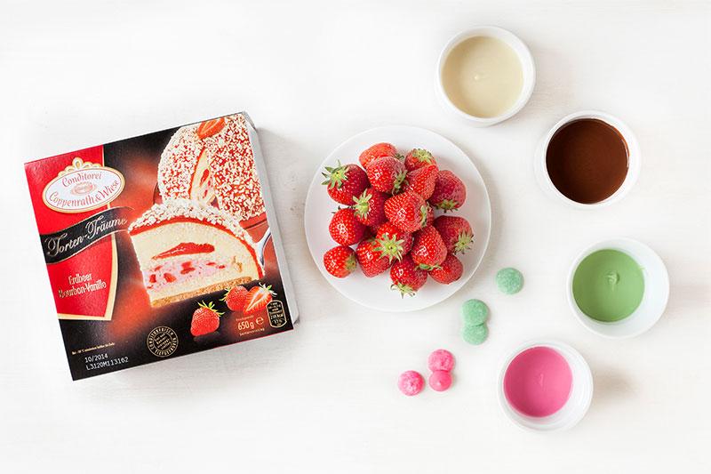 Zutaten für Erdbeertorte mit verzierten Erdbeeren als Deko