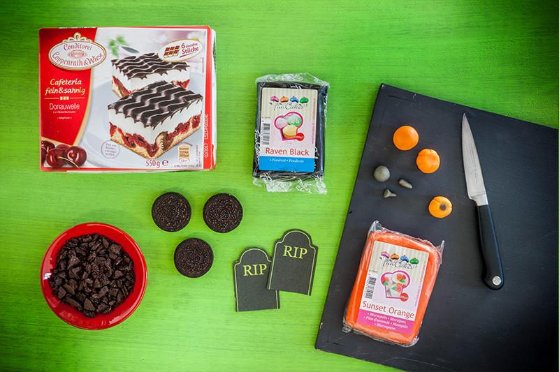 Zutaten für Hallooween Kuchen mit Grabstein-Deko aus Fondant