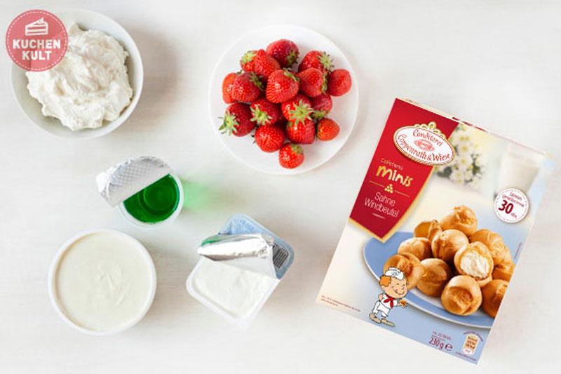 Zutaten für Mini-Windbeutel im Glas mit leckerer Erdbeercreme