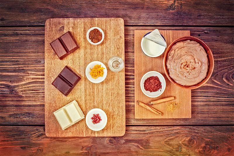 Zutaten für Schokofondue mit Torte und Kuchen