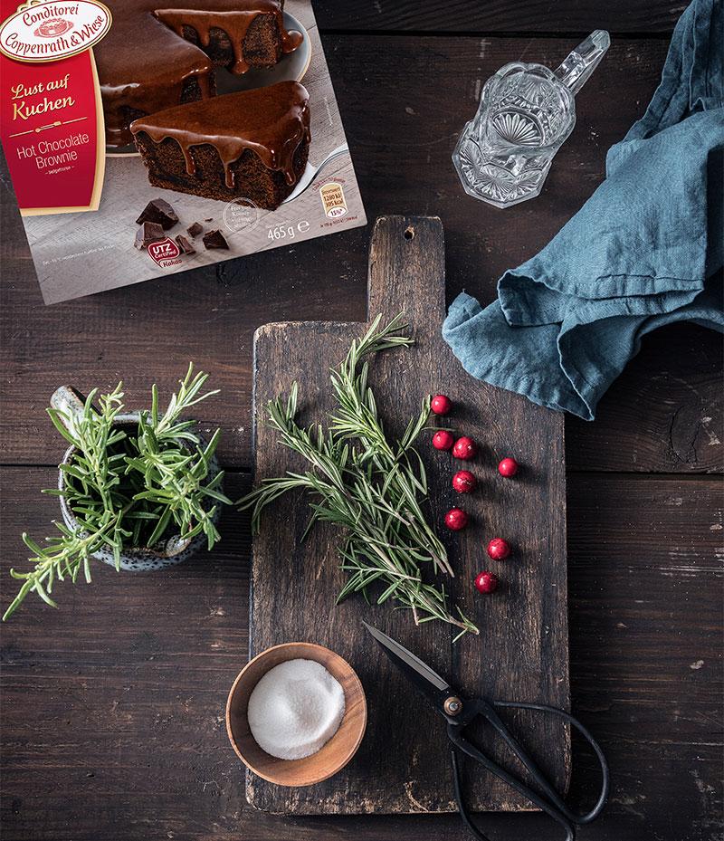 Zutaten für Schokoladen Weihnachtstorte zum selber machen und dekorieren