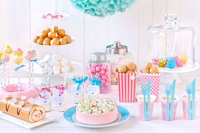 Ideen und Anleitung für Babyparty Kuchen und Dekoration zum selber machen