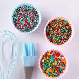 Kuchen- und Torten-Dekore zum Verzieren