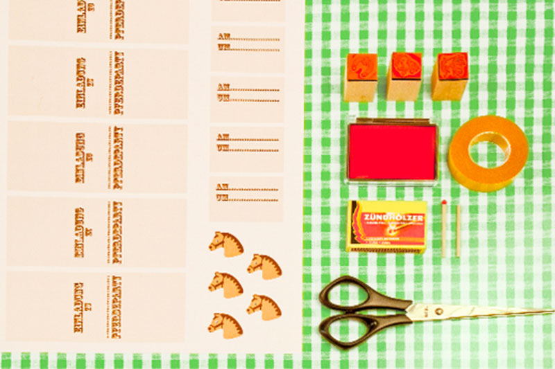 Materialien und Anleitung zum Kindergeburtstag Einladungen basteln und dekorieren