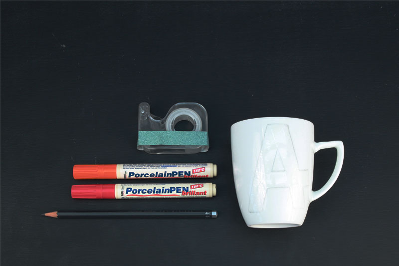 Materialien zum Tasse selber bemalen und dekorieren mit Schriftzügen