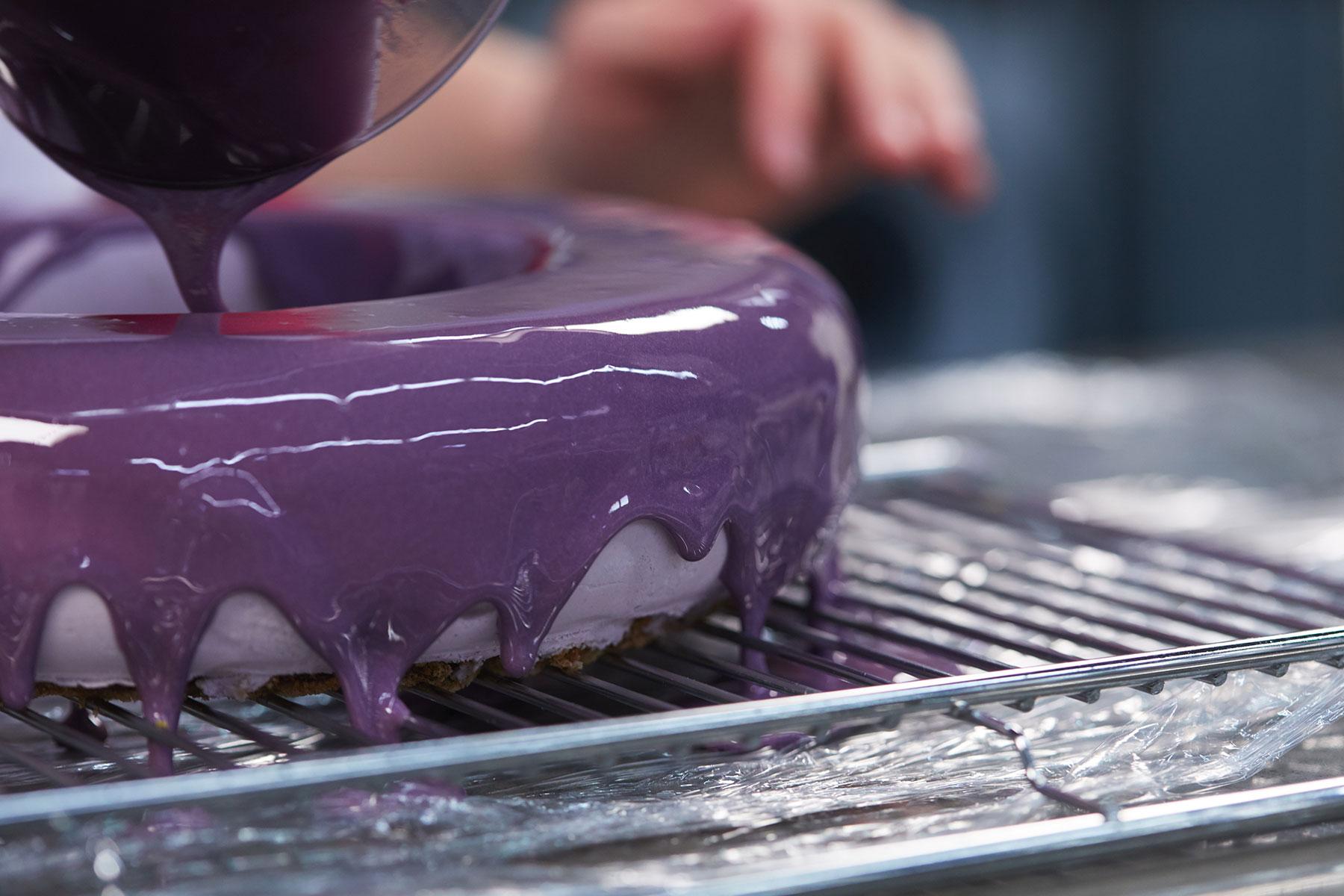 Mirror Glatze Kuchen Anleitung und Rezept zum selber machen und dekorieren