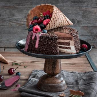 Eiswaffel-Torte mit Beeren - ein echter Augenschmaus 15
