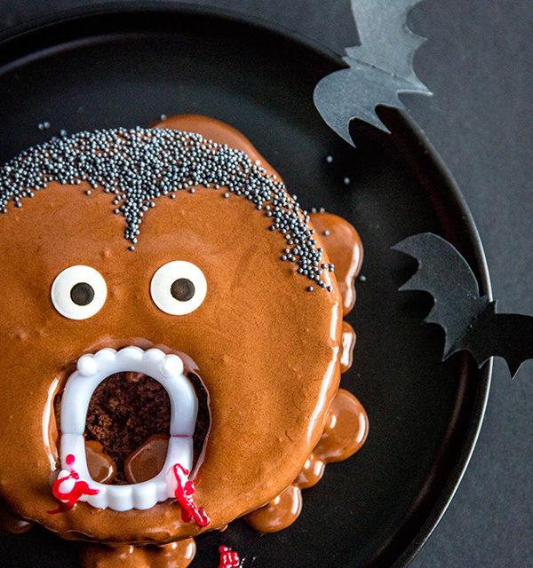 Kinderparty zu Halloween? Dieser Vampir-Kuchen ist perfekt! 8