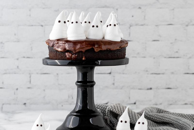 Boooh! So macht ihr einen Gespensterkuchen!
