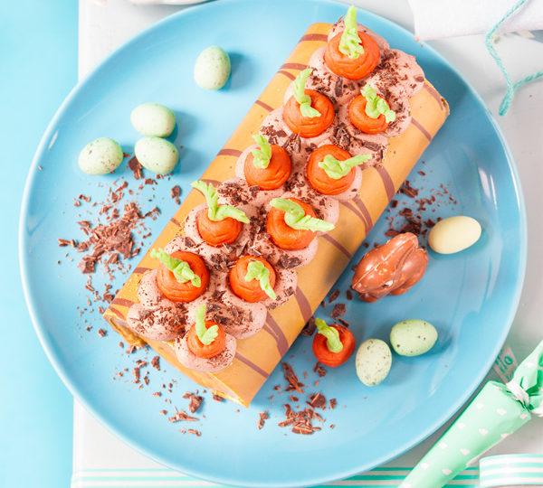 Biskuitrolle mit Möhren dekorieren 1