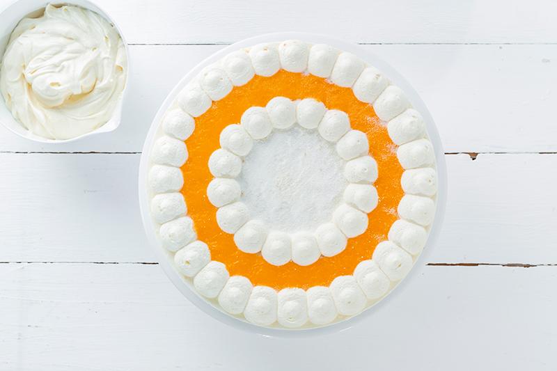 Buttercremerosen - stilvoll und einfach als Tortendeko! 3