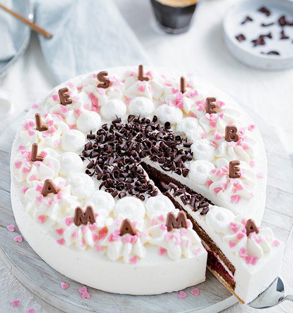 Genial einfach: Buchstaben-Torte zum Muttertag 18
