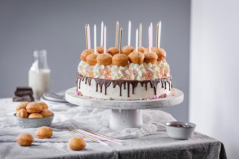 Schnell gemacht: Geburtstagstorte mit Berlinern! 3