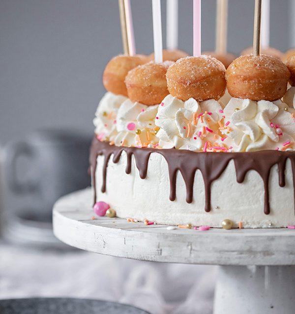 Schnell gemacht: Geburtstagstorte mit Berlinern! 7