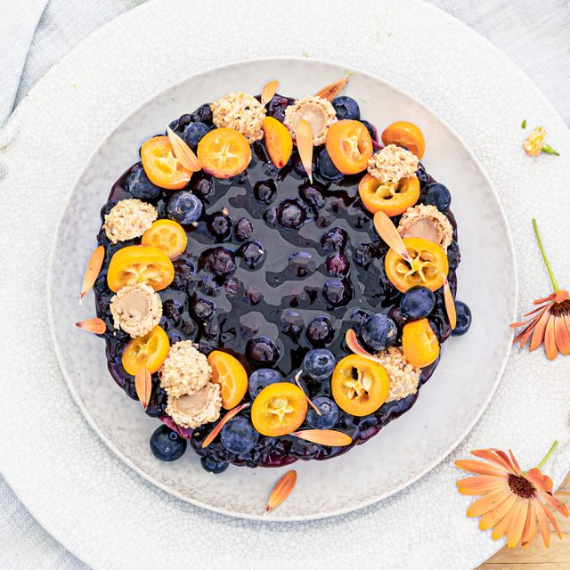 Blaubeer-Cheesecake im Sommerlook!
