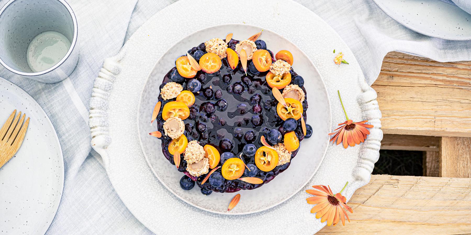 Blaubeer-Cheesecake im Sommerlook!