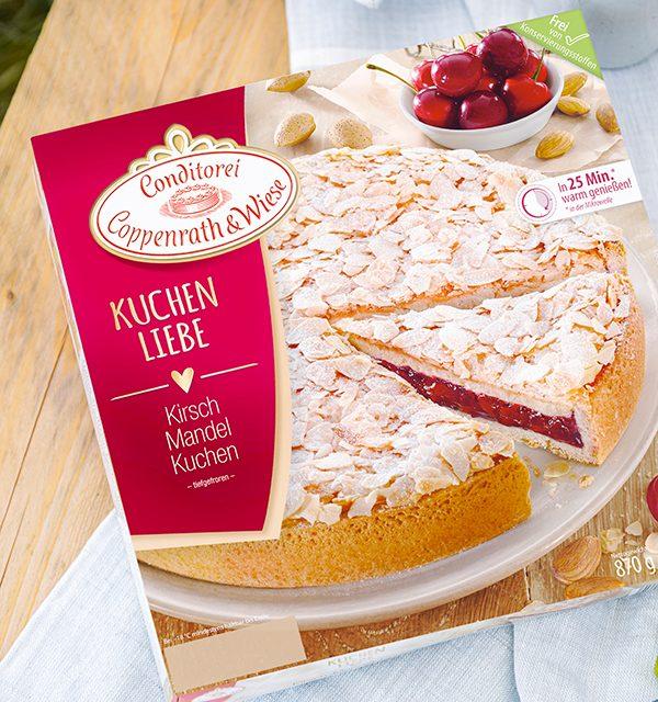 Passendes Picknick-Rezept: Kirsch-Mandelkuchen mit Beerentopping 8