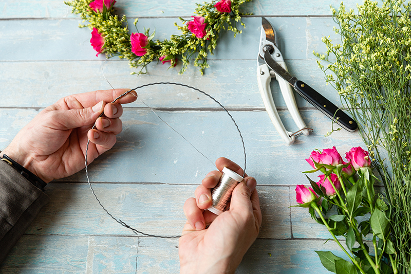 How to: Blumenkranz als Tortendeko 3