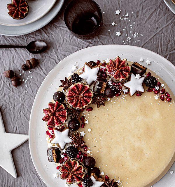 Weihnachtliche Windbeutel-Kirsch-Torte 11