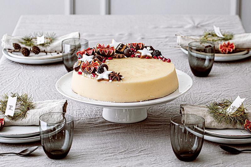 Weihnachtliche Windbeutel-Kirsch-Torte 1