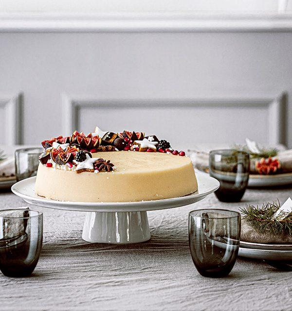 Weihnachtliche Windbeutel-Kirsch-Torte 2