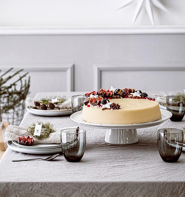 Weihnachtliche Windbeutel-Kirsch-Torte 4