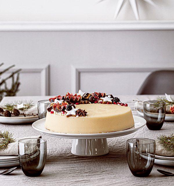 Weihnachtliche Windbeutel-Kirsch-Torte 5