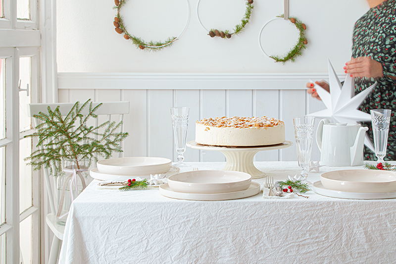 Weihnachtliche Windbeutel-Kirsch-Torte 34
